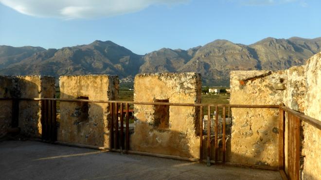 Blick vom venezianischen Kastell auf die Lefká Óri