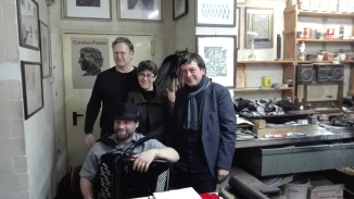 Hendrik Liersch, Hélène Habbot Bautista, Andreas Montag (v.l.) und Musiker Martin Müller